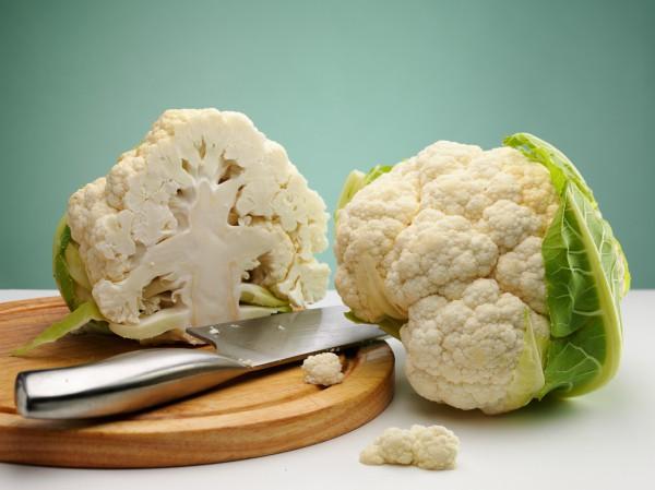 Цветная капуста содержит индол-3-карбинол - вещество, выводящие из организма эстроген.