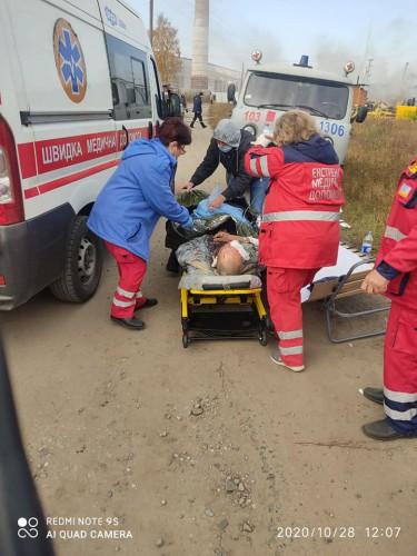 Людей в тяжелом состоянии везут в Харьков
