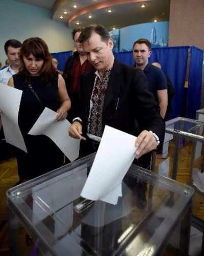 Выборы 2014: Олег Ляшко проголосовал