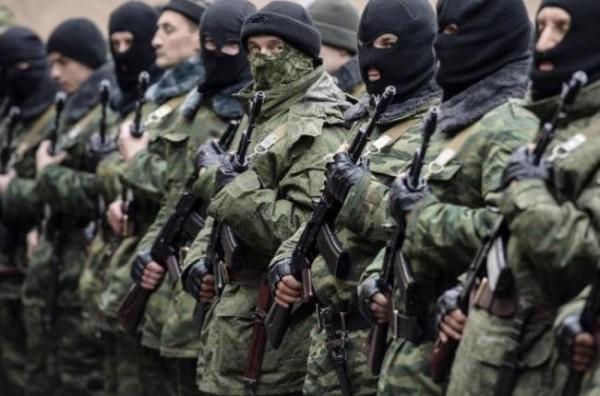 Террористы забирают студентов в свои отряды