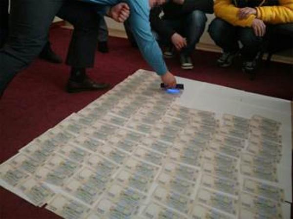 Чиновника подозревают в вымогательстве 50 тысяч гривень за непривлечение к админответственности местного застройщика