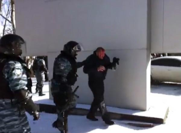 Всего в Донецке пострадали 4 участника митинга