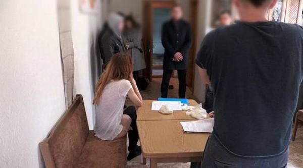 В Киеве разоблачили работу онлайн-порностудии