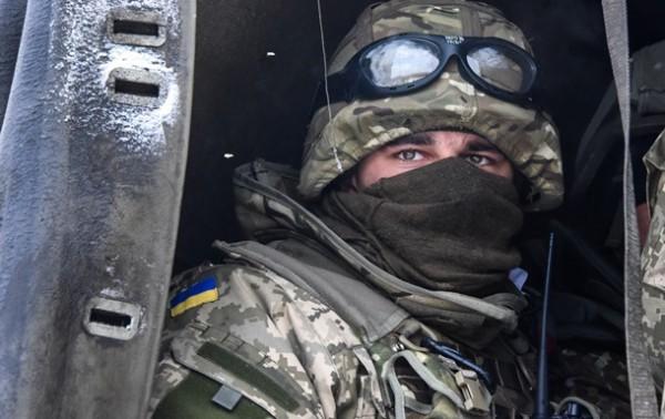 В Минобороны подчеркивают, что блокпосты на севере Луганщины под контролем военных, но бои продолжаются