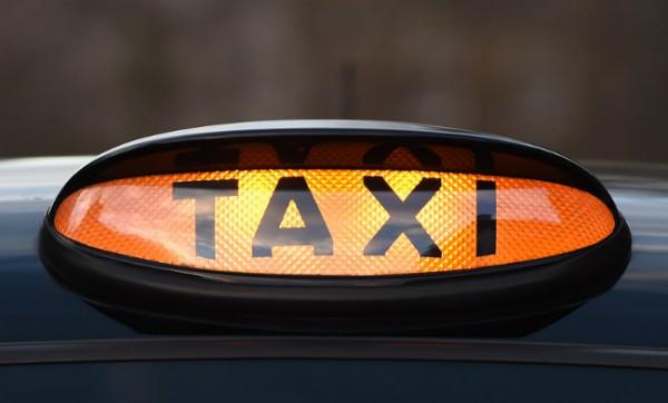 Таксисты провели забастовку против Uber