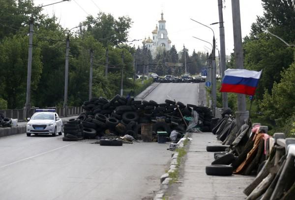 Блокпост на дороге, ведущей в Славянск