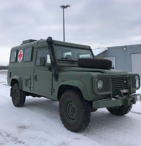 Латвия передала Украине военные медицинские автомобили
