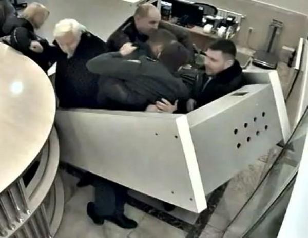 Представители ГПУ провели обыск в секретном отделе Апелляционного суда Киева, - СМИ - Цензор.НЕТ 5581