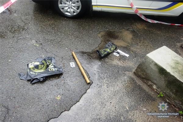 Подозреваемый также бросался с ножом на соседей