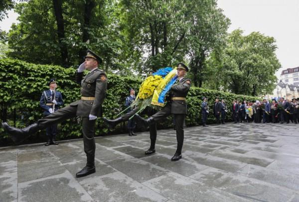 В церемонии приняли участие ветераны Второй мировой войны и ветераны АТО