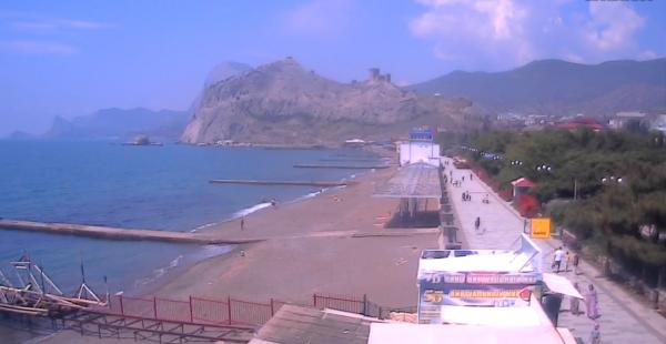 Набережная и пляж Судака