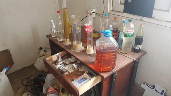 Примеси использовали для приближения химического состава смеси к автобензинам