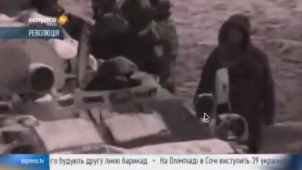 На Грушевского все залито пеной для тушения пожаров