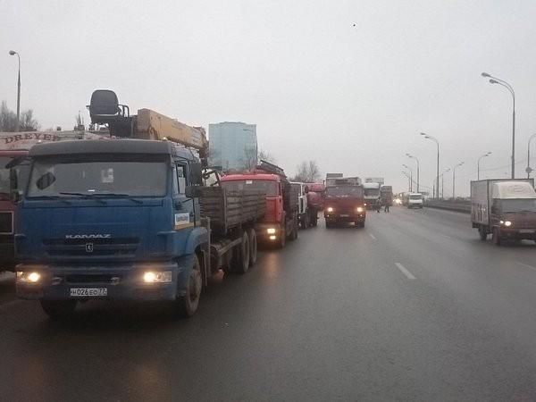 Как не пропускают дальнобойщиков в москву