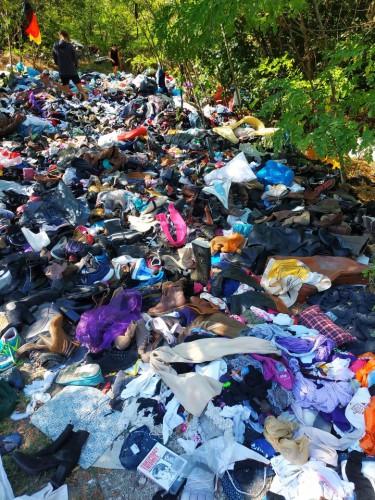 Автор фото уверен, что мусор привезли предприниматели