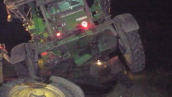 ВАЗ столкнулся с самоходным опрыскиваетелем неподалеку от села Ивановка