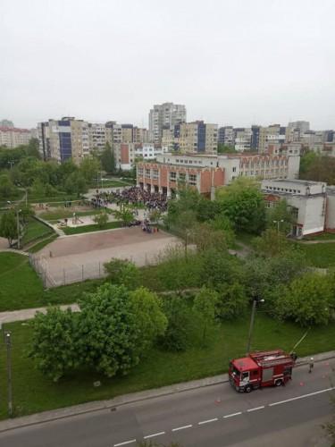 Заминировали и одну школу от имени Порошенко