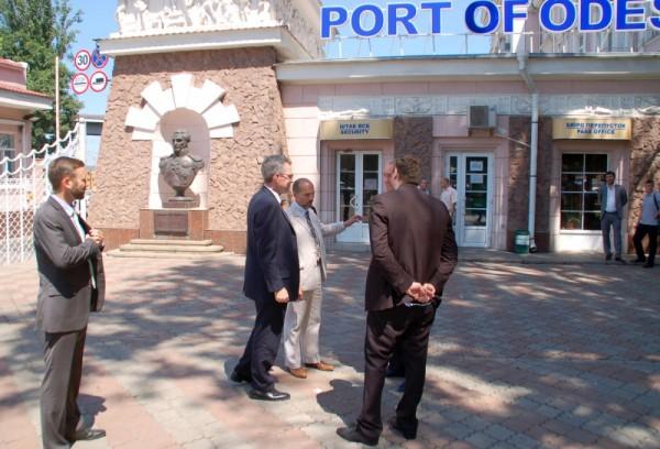 Джеффри Пайетт в порту