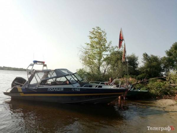 О подозрительной лодке местные жители сообщили в полицию