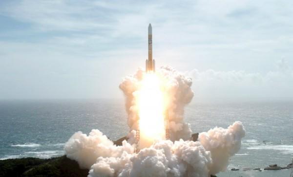 Япония вывела спутник на орбиту