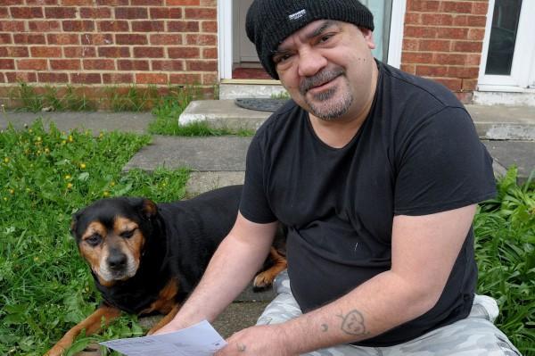 Собаку пригласили голосовать на выборах