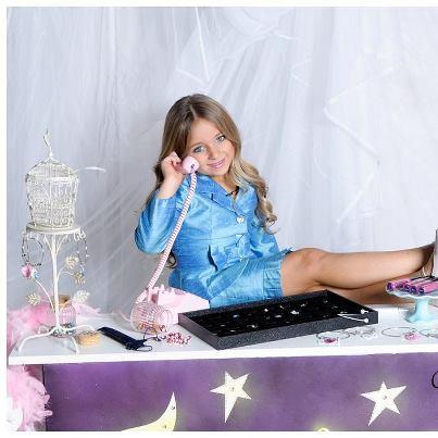 Совсем юную девочку трахают фото 583-458