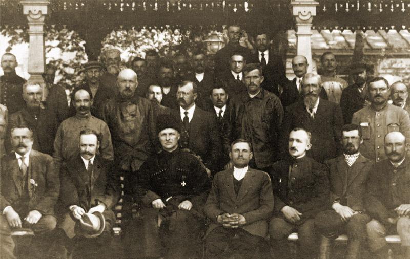 Гетман Павел Скоропадский с делегатами съезда хлеборобов.1918 год
