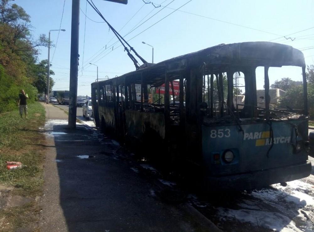 Все, что осталось от троллейбуса