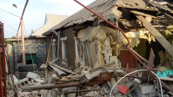 Дом, в который попал снаряд