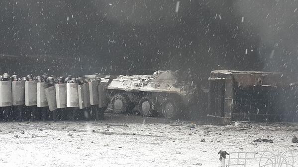 БТР на Грушевского
