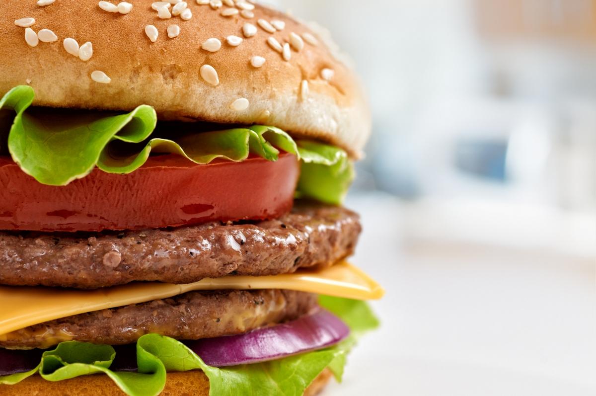 Создан гамбургер для левшей