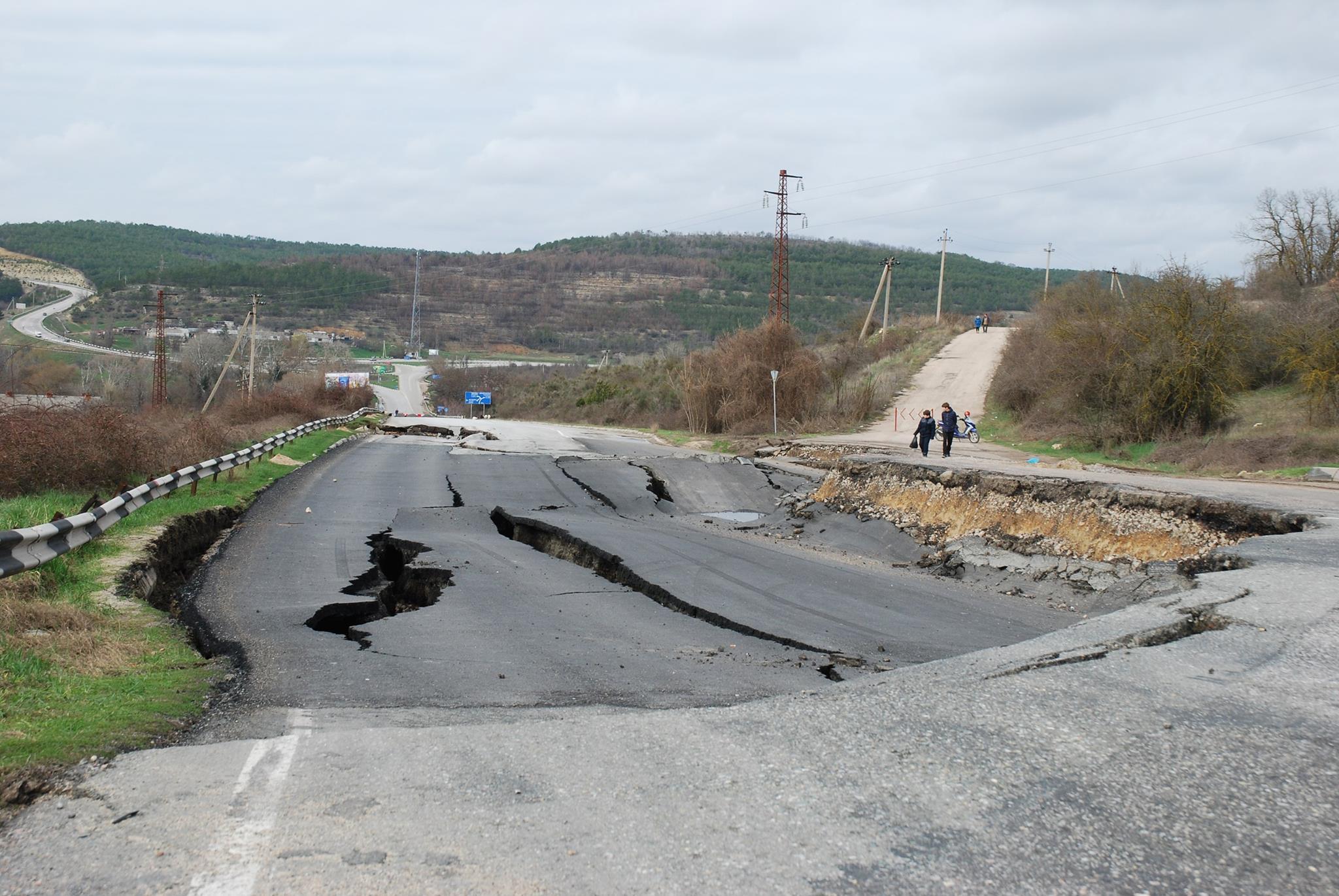 Дорогу Симферополь-Севастополь починят до29апреля