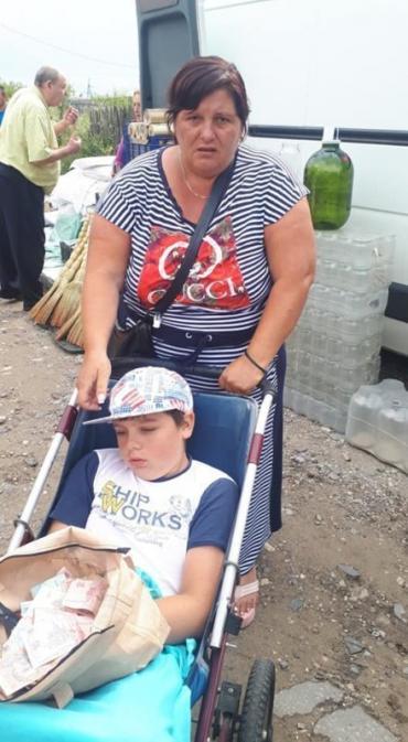 Женщина заставляла детей попрошайничать