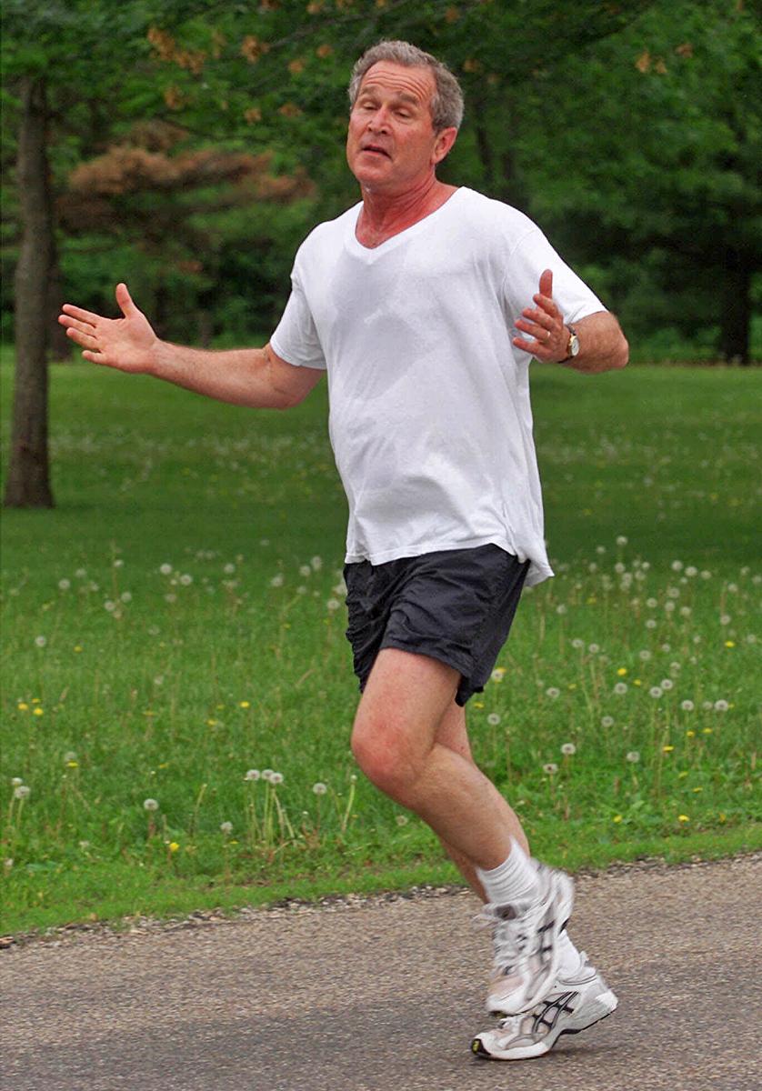 43-й президент США Джордж Буш-младший на пробежке