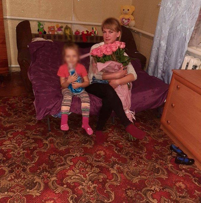 Неля с 5-летней дочкой