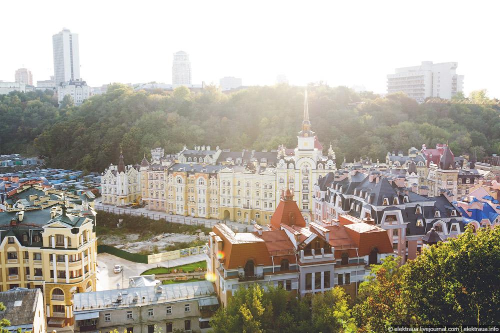 Элитный район Киева Воздвиженку британские СМИ назвали