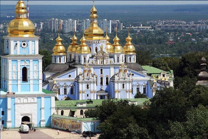 Жить патриарх Кирилл будет в Киево-Печерской лавре