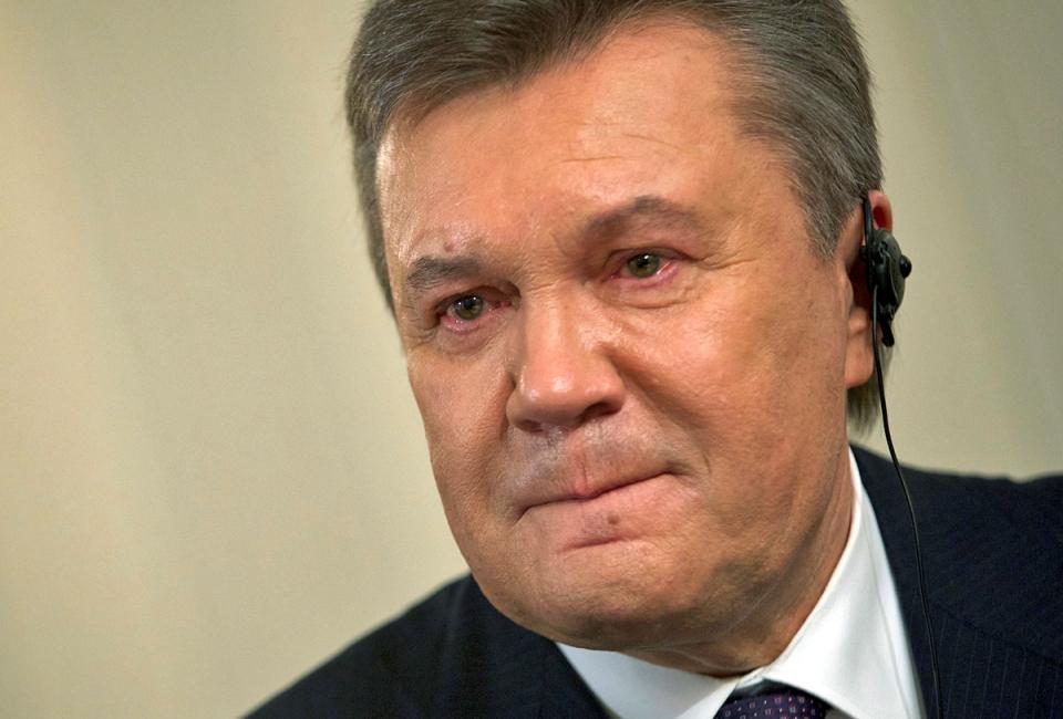 «Гарант» не сумел достигнуть компромисса с Майданом, который требовал полной перезагрузки власти. В конце концов, Президент назвал происходящее в Верховной Раде государственным переворотом и принял тайно покинул Украину. Парламент заочно отстранил от власти сбежавшего главу государства.