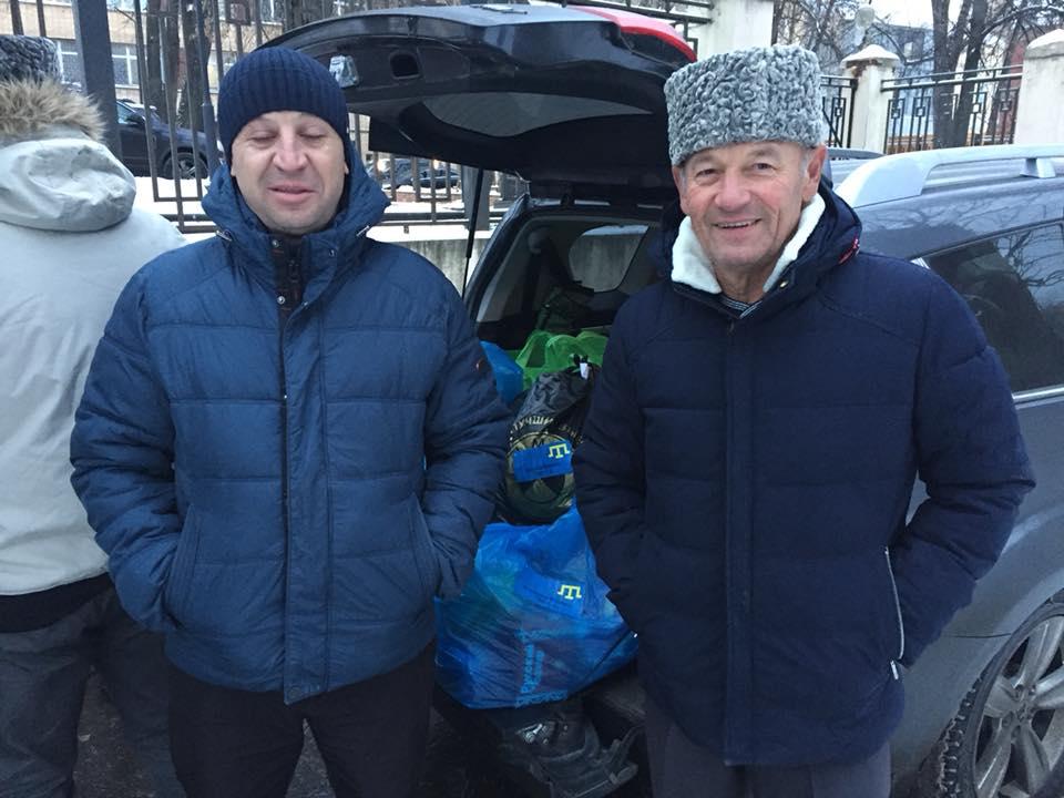 Ранее активисты собрали для моряков почти 85 тысяч грн помощи