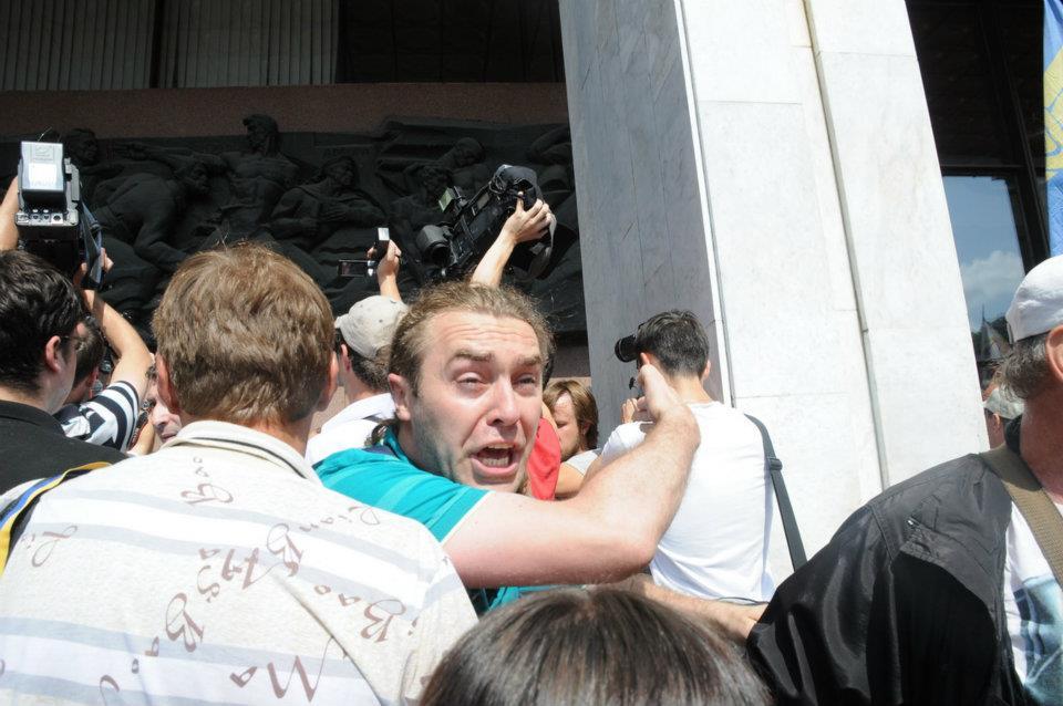 Нардеп Мирошниченко - герой множества стычек