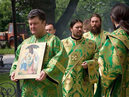 Порошенко принимает участие в крестном ходу