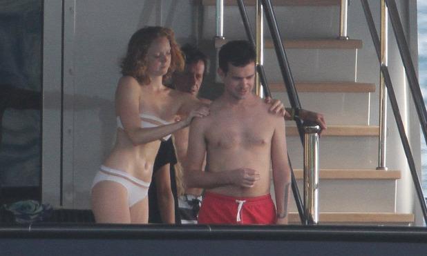 Джек Дорси с британской моделью и актрисой Лили Коул