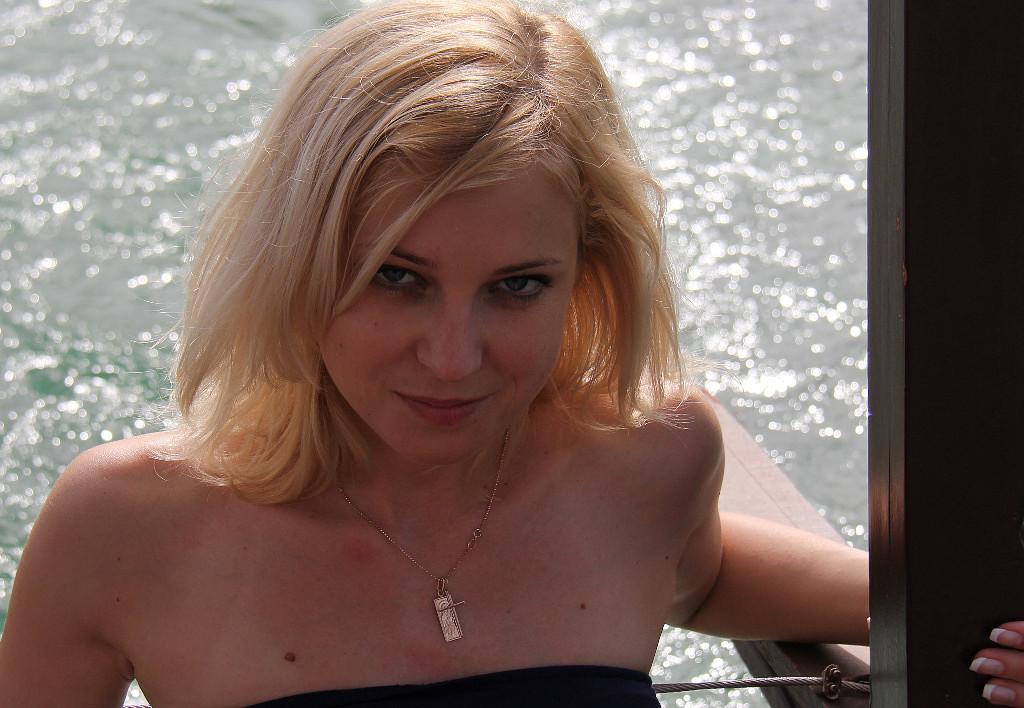 Фото блондинки с сайта одноклассники фото 396-920