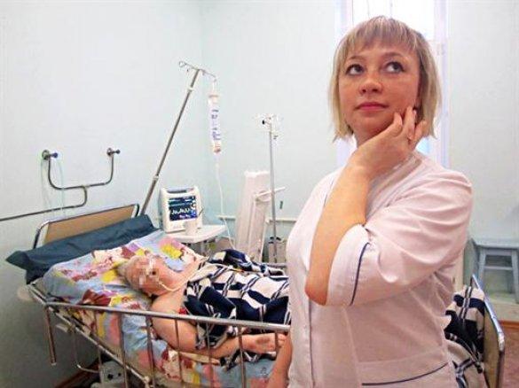 Медсестры устроили фотосессию на фоне тяжелобольных