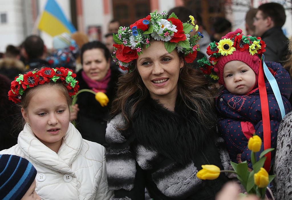 8 марта: какой сегодня праздник,  традиции, что нельзя делать