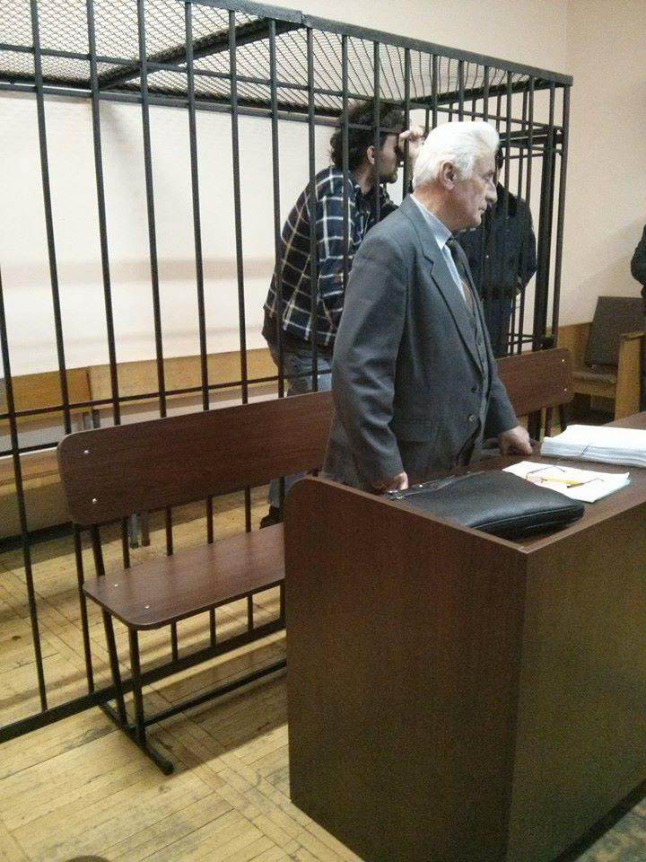 Один из арестованных - Ярослав Притуленко плакал, когда судья оглашала решение о его аресте