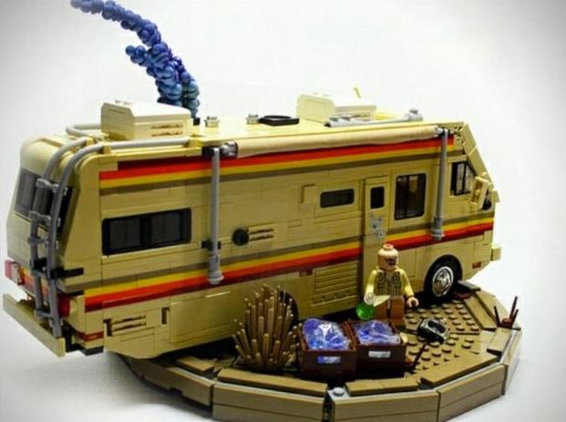 Автобус, переделанный под нарколабораторию