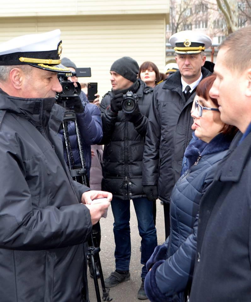 Двух военнопленных моряков повысили в звании заочно