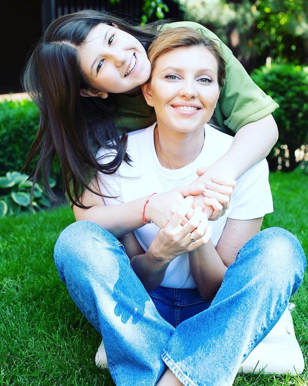 Первая леди с дочкой