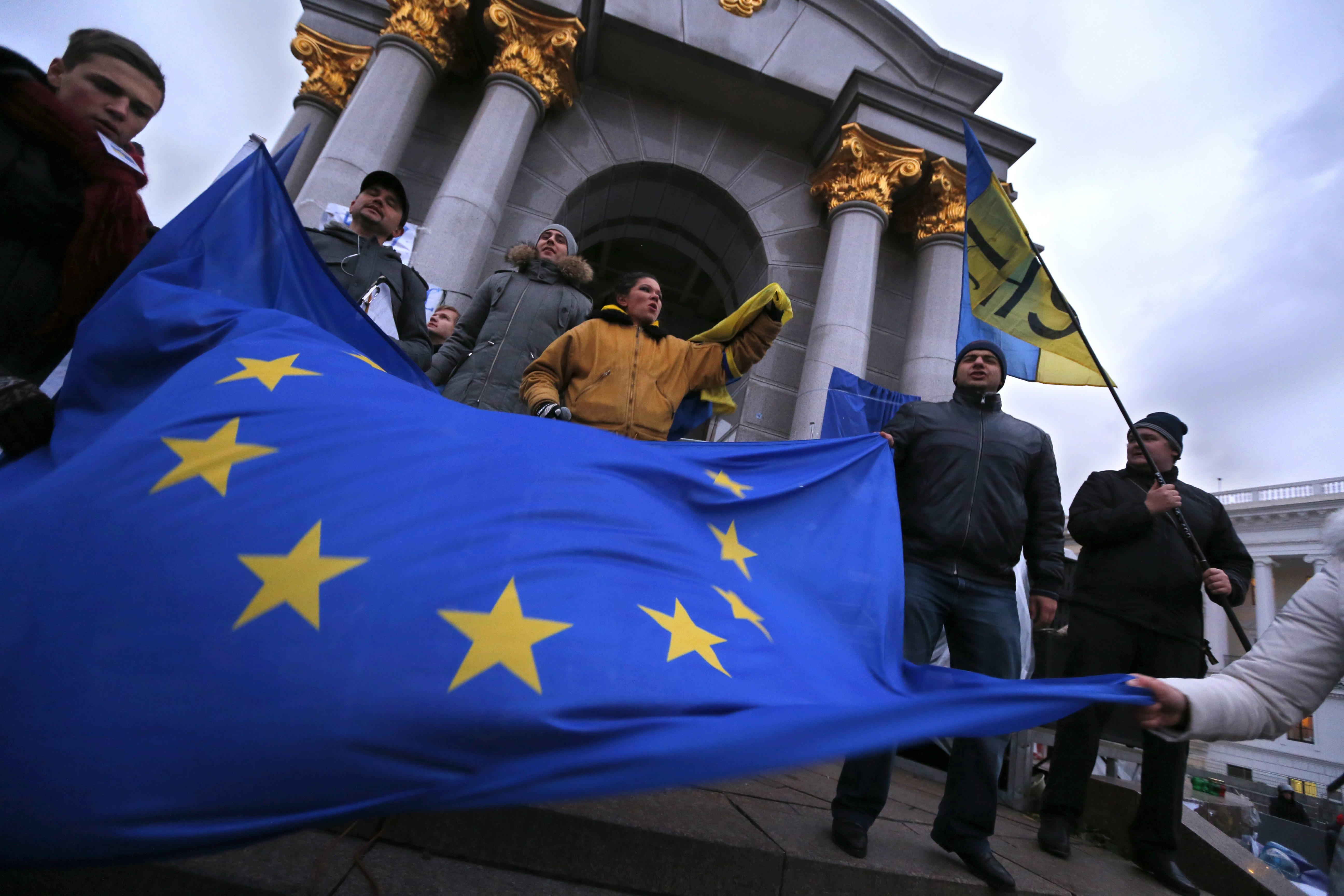 ukraine eu Five eu countries remain firmly against ukraine ever joining the union, french diplomat pierre vimont, who has helped negotiate the ukraine - eu association agreement, told a dutch publication ahead of next week's advisory referendum on the.